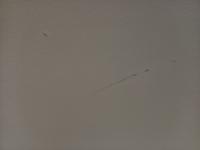 賃貸の天井を汚してしまいました。 スマホケースの黒い色が着いてしまいました。 凹みも出来てしまいました。 凹みの直し方や、色汚れの落とし方を教えてください。