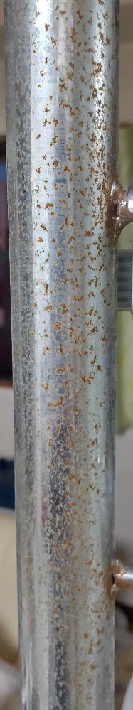 金属パイプの棚を15年ほど使っているのですが、細かいサビが出来ています。 これをキレイにすることは出来ますか?