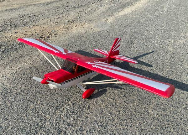 この機体はアクロ機だと聞いてますが 舵がマイルドすぎます どうしたら俊敏に動くのですか? 一応説明書通りのセッティングです。 エルロン、ガバーっと倒してもじんわりロールします 実機らしい飛びと言...
