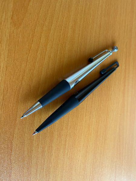 迷っているんですけど、皆さんならどちらのボールペンを使いますか?ほかのボールペンってのは無しでお願い致します