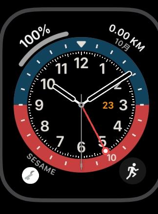 Apple Watchの文字盤にワークアウトの月間走行距離を表示する。 ランニングの際、NIKE RUN CLUBを使用しています。こちらのアプリは文字盤のショートカット?に設定すると月間走行距離が表示されます。(画像の右上) ただ、他の運動も行うので、ワークアウトを使用したいと思います。しかし、ワークアウトのショートは人の形です。(画像の右下) Apple Watchの文字盤にワークアウトの月間走行距離を表示するような設定はありますか? ご教授お願いします。