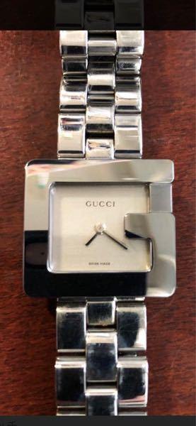 この腕時計、革ベルトに交換は可能でしょうか?