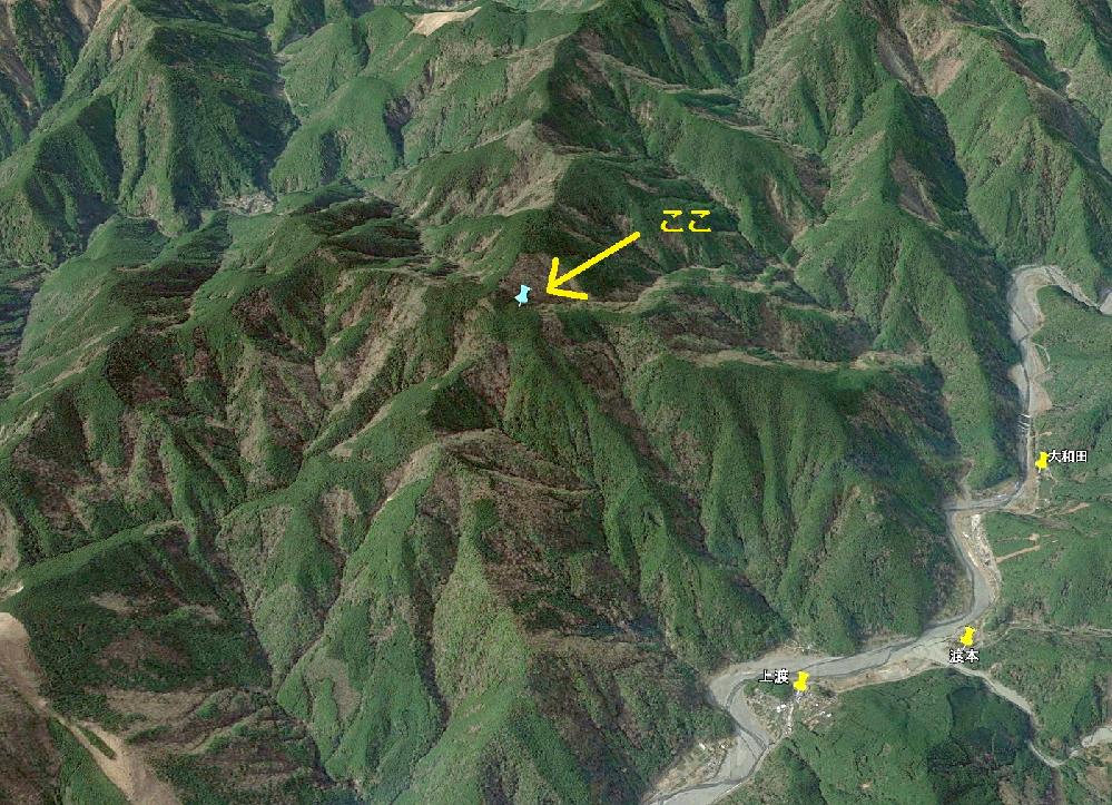 添付画像のような、標高900mの「やぶ山」のかなり奥地で 首吊り白骨死体を見つけた場合、わざわざ警察に通報しますか。 (画像クリックで拡大)