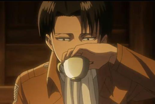 進撃の巨人 リヴァイ兵長ってwコップを上から掴んだ妙な飲み方しますよねw実際にやってみたら手が顔に当たってスゲ〜飲みづらいんだけどやったみた方居ますか?w なんであんな飲み方するんですかねw