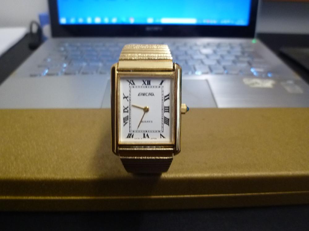 スイスの時計メーカー「エニカ」の腕時計です。 父の形見です。 いくらぐらいで売れますか?