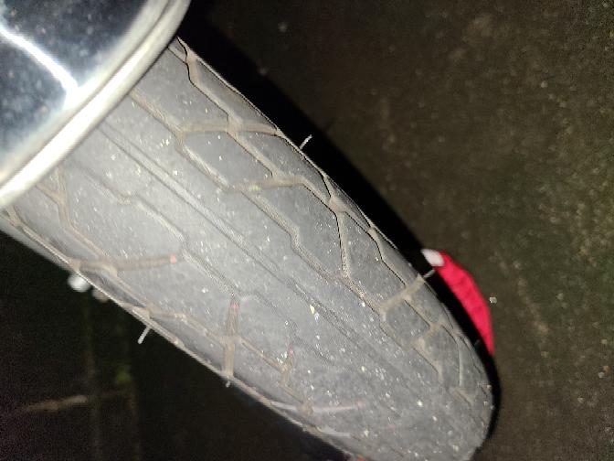 バイクのタイヤ交換した方がいいですか?