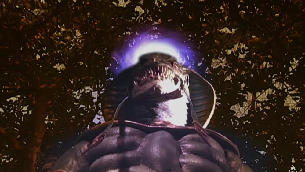 あなたの目の前に蛇の敵が現れました!!一体何者でしたか? 私の場合は「超能力者を亜空間から落下させる、正体不明の怪人」でした。