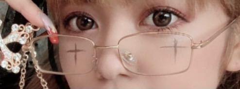 おしゃれメガネについて。 画像のようなメガネってどこに売ってるかご存知の方いますか??(T_T) 3コインズとかには売ってないですよね、、