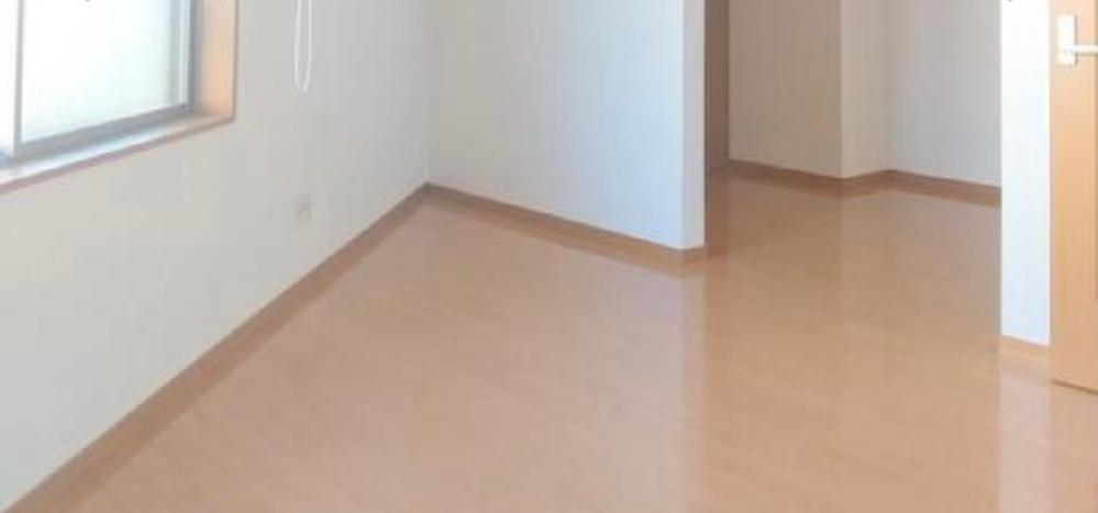 部屋の隅(コーナー?)の角度が90度以下の箇所があります。 なかなか置ける家具が見つからないのですが、良い活用方法はありますでしょうか。 部屋が狭いので、できれば収納力のあるものを置きたいです。 それ
