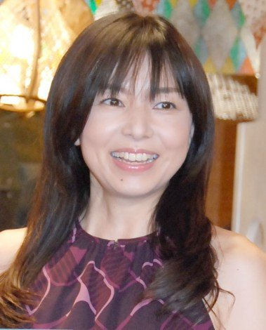 10月20日が57歳の誕生日の山口智子さんに似合いそうなコスプレって何だと思われますか?