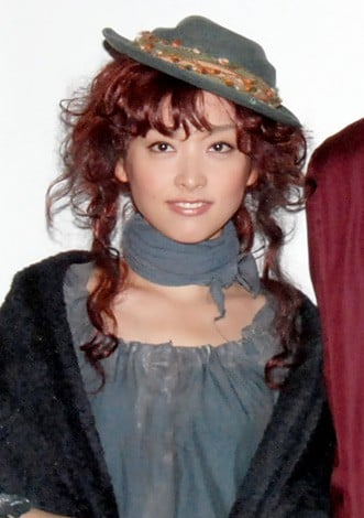 あなたが思う高野志穂さんの魅力とは何ですか? (日付変わり10月21日が現在はこの方は北村有起哉さんの奥さんである元NHKヒロインの彼女も42歳なんですね誕生日なものでこんな質問)