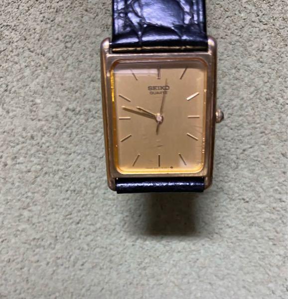 私の祖父が使っていた時計の中の一つですが、1970年代のSEIKOのクォーツと思われます。 今は安価で取り引きされてるようですが、当時のクォーツの精度は良かったと聞きます。 画像の時計の精度的なものはどうだったんでしょうか?