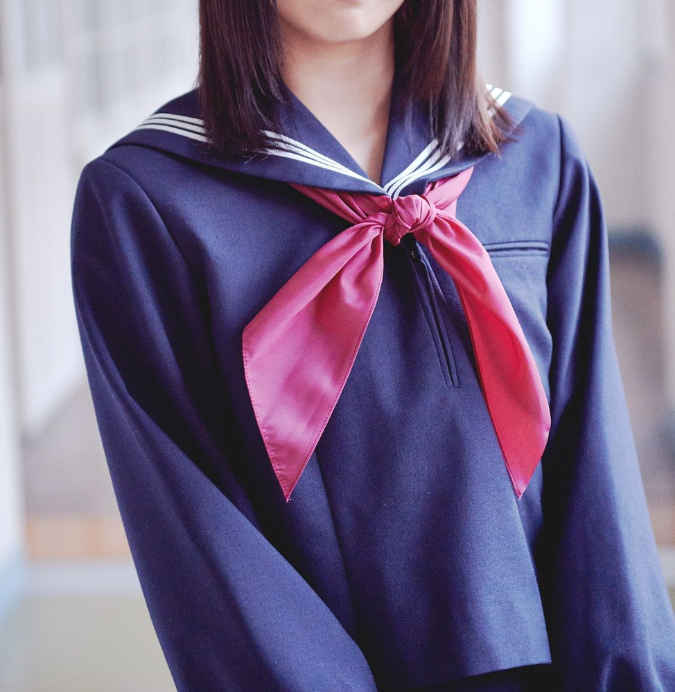坂道制服クイズPart250 画像の制服を着てる 現役坂道メンバーは 誰でしょう?