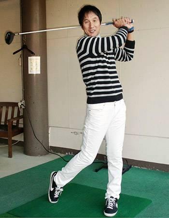 元プロ野球選手の津野浩さんは、なぜ引退しても太らないのですか?教えてください。お願いします。