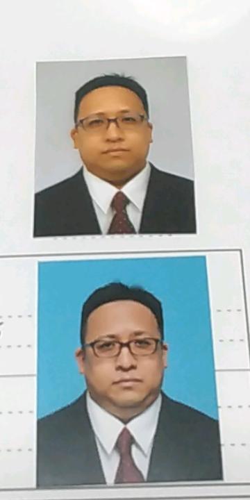 履歴書に貼る写真、上と下、どちらが印象が良いと思いますか? 障がい者枠の介護補助の仕事の面接を受けます。m(__)m