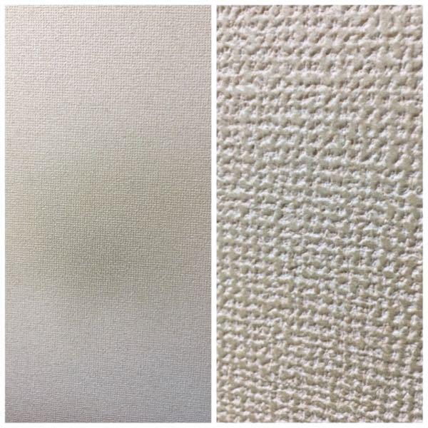 【壁紙の色移り・汚れの落とし方】 新品の黒い服を着て部屋の壁にもたれ掛かっていたところ、服の染料?が壁紙についてしまいました。 壁紙の色移りの落とし方、何か方法があれば教えてください。 試しに台所洗剤、除光液で拭いてみましたが変化なしでした。 画像は左が遠目に見た壁紙、 右が表面をアップで撮った壁紙です。