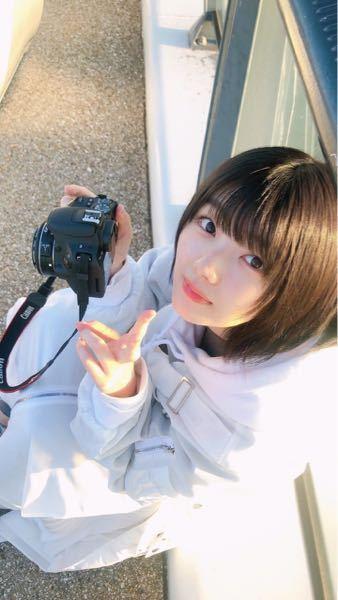 この藤吉夏鈴ちゃんが持ってるカメラなにかわかりますか?