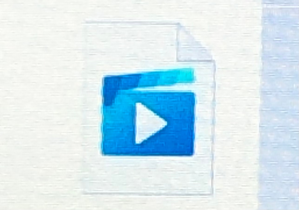 Windowsのパソコンでグーグルフォトから動画や写真をダウンロードしました サムネイルに内容が表示されず開いてみないとどの動画かわかりません。 サムネイルが写っているものと写っていないものがあります。映らないのはサムネイルが画像のやつになります。 設定→表示→常にアイコンを...のチェック外してます なのに表示されません どうしてですか?