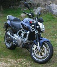 大型バイクの免許がお金で買える国って 世界中で日本だけでしょ?