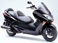 ホンダ フォルツァZ は普通二輪の免許でのれますか? これはスクーターっていうんですか? あとこんな感じのバイクを他にもあれば教えて下さい よろしくお願いします