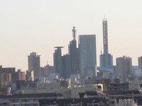 都会と田舎 埼玉県民です。なぜ日本人は都会と田舎を決めたがるのですか?例えば埼玉vs千葉とか 群馬の友だちが来たので大宮とさいたま新都心に遊びにいったけど友達が「都会だけど群馬にはかなわないな」 と言ってきました。 群馬って埼玉より都会ですか?     写真 さいたま新都心
