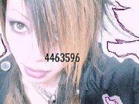 AKB48 高橋みなみ 結婚 AKB48の小さき太陽こと高橋みなみさんと  結婚したいです。   僕の顔で結婚できるでしょうか?  髪型とか髪の色でダメな所などがあれば  アドバイスしてくださいm(_ _)m