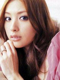 この写真は北川景子ですか?鈴木えみですか?さあ、どっちだ?  見分ける方向を教えて下さい。