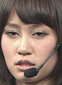 土産であげるものと言えばおせんべい、歯医者さんにあげるものは入れ歯ですか 前田敦子が仮病して美容室に行きましたが許されますか??  <問題点>  ・美容室に行くって事はまだ元気あるし握手会終わっ...