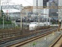 東海道新幹線 本線で最も急なカーブはR2500となってますが、田町駅付近のカーブはもっときついように思えます。それともこれがR2500なのでしょうか?