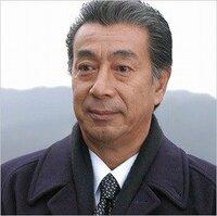高田純次のようになるにはどうすればいいですか? 高田純次に憧れています。 彼のような生き方をするには何から始めればいいんでしょうか?  どなたか教えて下さい。