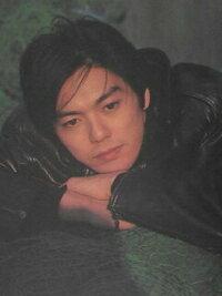 若い女性にお聞きしますが、尾崎豊はイケメンだと思いますか? またアナタのタイプですか? ※年齢を書いてください。