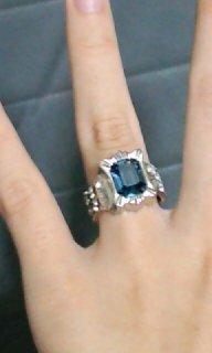 この指輪を私服に 合わせてもおかしく 無いでしょうか??