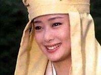 西遊記(堺正章)のDVDを懐かしくて買いました 坊主頭でも 夏目雅子さんが綺麗ですね   今の芸能人に夏目雅子さんに匹敵する女優は居ますか?