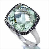 デカすぎる宝石は下品でしょうか? 宝石が好きです。 宝石は高いのでひんぱんに買うことはできませんが、よくお店は見ています。 ハイジュエリーブランドとは無縁ですが、無名のブランドやメーカーで手頃な値段...