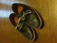 この靴冬に履いても変じゃないですか? レザーのデッキシューズです。