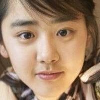 韓国人ってこういうボサボサな太い眉が好きなんですか?