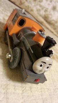 機関車トーマスの、この写真の機関車の名前は何ですか。