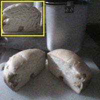 HB パンがうまく膨らまない 1.5斤の標準パンを焼きたいのですが 説明書通りに分量を量っても思うように膨らみません  水210ml 砂糖20g 塩4g スキムミルク8g(使用していません) バター10g 強力粉300g ドライイースト3g  一度目、2度目は冷水のままで ドライイーストと塩も離さずそのまま投入しました 3度目は少しぬるま湯にして ドライイーストと...