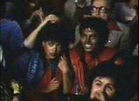 スリラーPVです。マイケルの隣にいる人はジャネット・ジャクソンですか?