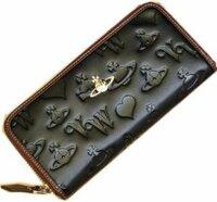 ヴィヴィアンの長財布について   この長財布を男性が使っていたら変でしょうか??