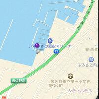 大阪府泉佐野市 りんくう  この辺りの漁港で、サビキをしたらこの季節何が釣れていますか?  また、テトラポットはありますか?  狙える魚種、釣り方を教えてください。