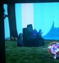 前から気になっていたんですが、 Wiiの大神というゲームにでてくる この光がでてる岩は何なんですか? 何か仕掛けがあっありするんでしょうか?