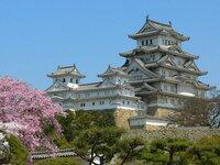 姫路城などの城が個人の所有であった場合、税金以外で維持費ってどれくらい掛かる物でしょうか?