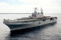 輸送力や航空運用能力に優れた強襲揚陸艦を海上自衛隊に導入する方針って、やはり空母型で数万トンですか?