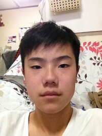 この顔をかっこよくする方法を教えてください。あと、この鼻を小鼻にする方法を教えてください。お願いします。。