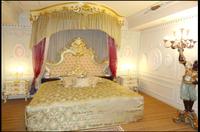 内装がヨーロッパ風のラブホテルを教えてください! 白が基調でキラキラとしたイメージが理想です。 写真のようなイメージですが、あまりやり過ぎてない部屋が希望です。 ごつごつ、ギラギラというよりはおしゃ...