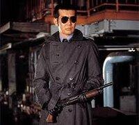 アメリカの映画などの銃撃戦(ハンドガン)などのシーンで5~10mでも殆ど当たりませんが、実際に訓練しても映画と同じような命中率なんでしょうか?