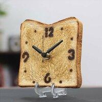 誕生日プレゼント、あなたならどっちが欲しいですか?(中高生女子に質問です) A.オリジナルメッセージの入った世界に一つだけの電気カイロ  B.本物のトーストそっくりな時計
