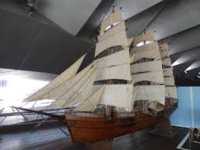 プラモデルのプロの制作代行と同じように帆船模型や鉄道ジオラマなどでも専門の方って世界には結構居られるんでしょうか?