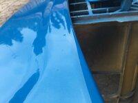 スプレーガンでクリア塗装中に虫、埃が付着  スプレーガンでウレタンクリアーを吹いたのですが、虫・埃が付着してしまいました。乾いてからの方が良いかと思い乾燥中です。  青空塗装なんで 仕方ないですが・...